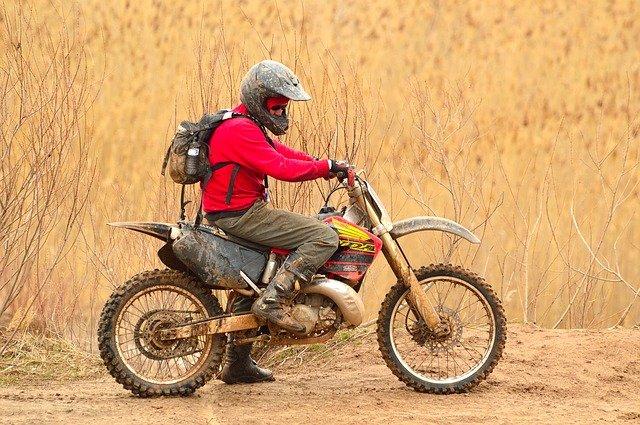 Quels sont les équipements indispensables pour faire du motocross?